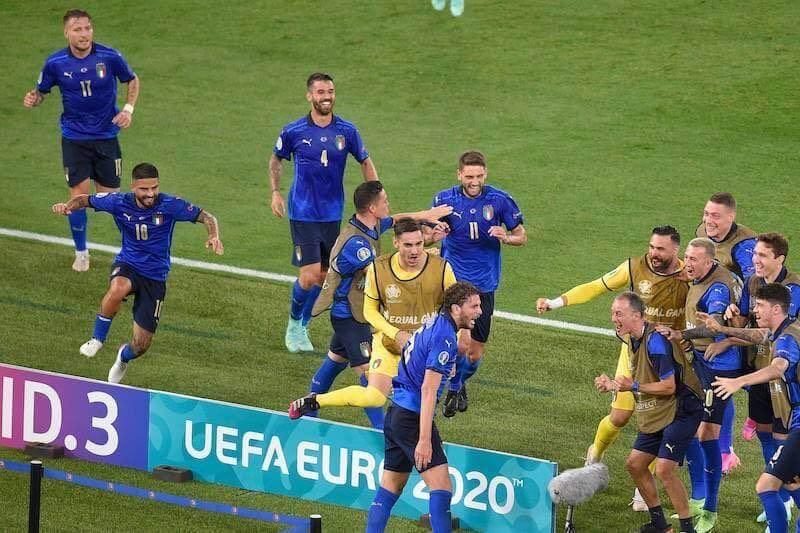 Die Squadra Azzura im Freudentaumel nach dem Treffer