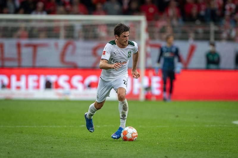 Der Gladbacher Jonas Hofmann übernimmt gegen Bielefeld eine andere Rolle als beim DFB-Team
